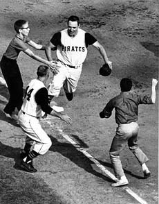 Mazeroski rounds third